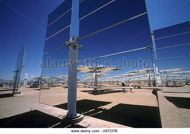 Giant Mirrors Solar One Solar Stock Photos & Giant Mirrors Solar Pertaining To Giant Mirrors (#18 of 20)
