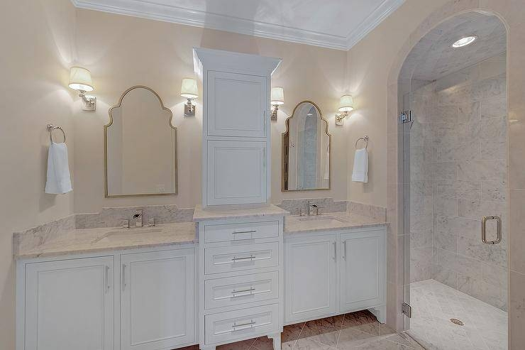 Gold Arch Vanity Mirror Design Ideas With Curved Top Mirrors (View 9 of 30)