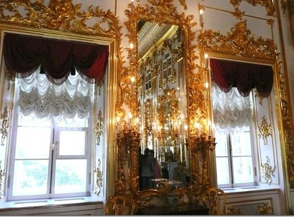 Images The Peterhof Palace Gold Mirrors In Peterhof Palace 8277 Pertaining To Big Gold Mirrors (#8 of 15)