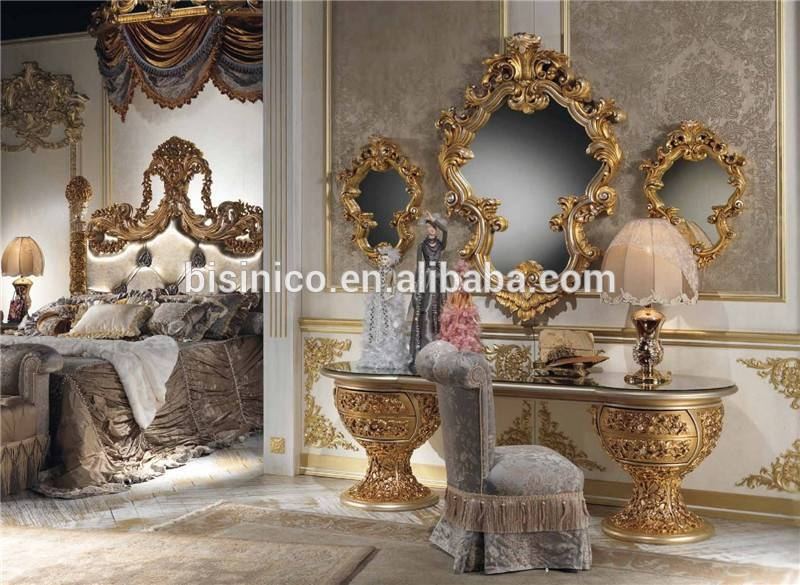 Italian Baroque Style Wooden Dressing Table In Gold And White Intended For Gold Dressing Table Mirrors (View 22 of 30)