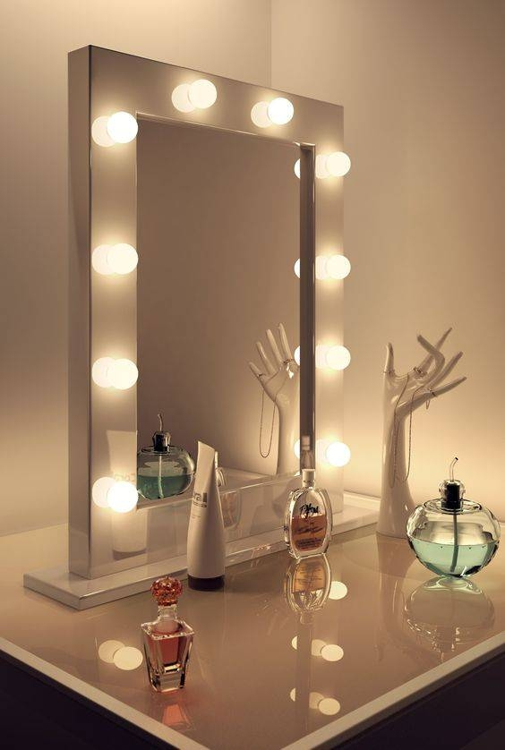 Rectangular Vanity Mirror With Black Frame Which Combined With In Illuminated Dressing Table Mirrors (#19 of 20)
