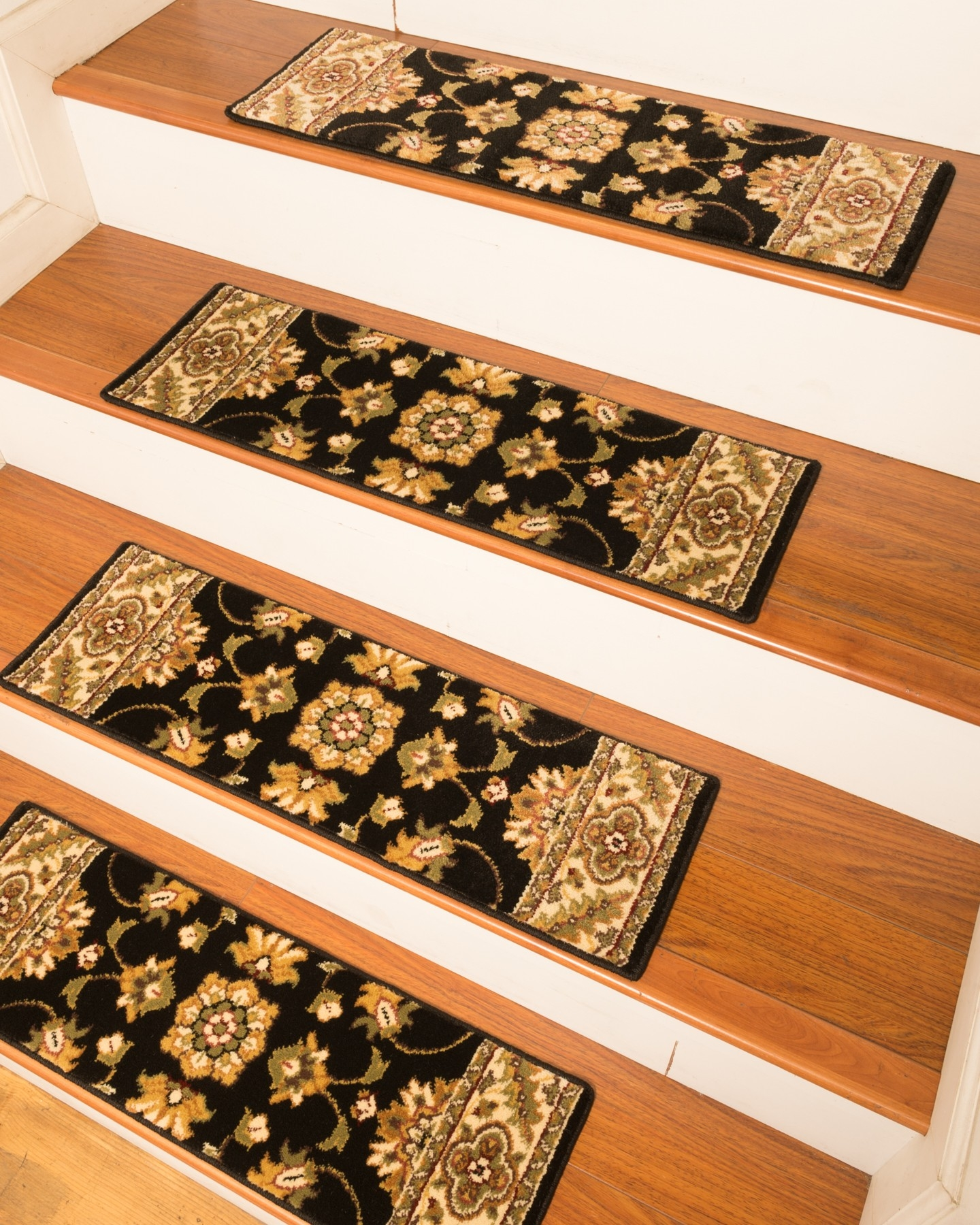 Sherwood Carpet Stair Treads Black Natural Home Rugs Natural In Set Of 13 Stair Tread Rugs (#15 of 20)