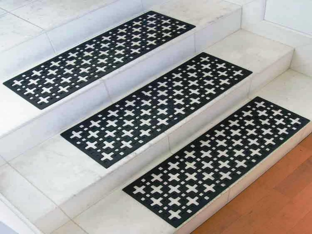 Stair Treads Decorative Rubber Stair Design Ideas In Decorative Indoor Stair Treads (#18 of 20)