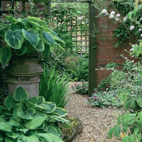 The Dos And Don't Of Garden Mirrors | Ideal Home With Regard To Garden Mirrors (#29 of 30)