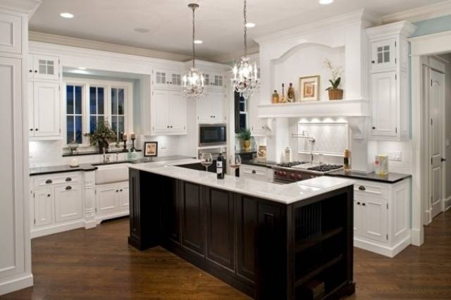 Awesome Pendant Lighting With Matching Chandelier Kitchen Kitchen Throughout Matching Pendant Lights And Chandeliers (#5 of 15)