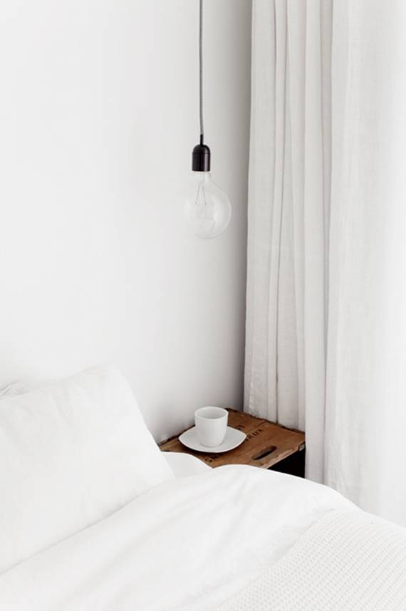 Bare Bulb Pendant Lamps As Bedside Lighting | My Paradissi With Exposed Bulb Pendants (#1 of 15)