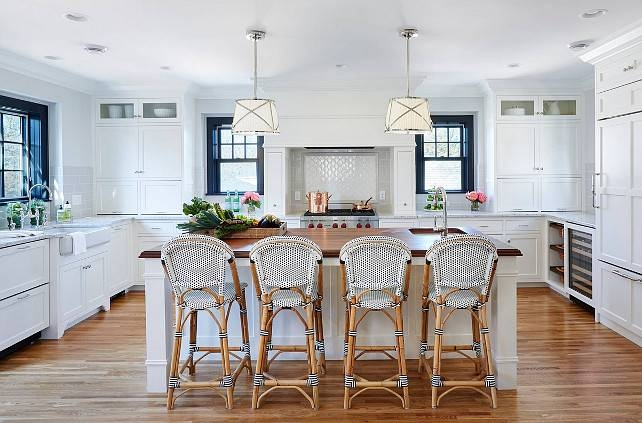 Bistro Style Kitchen With Breakfast Nook – Home Bunch – Interior For Grosvenor Pendant Lights (#4 of 15)