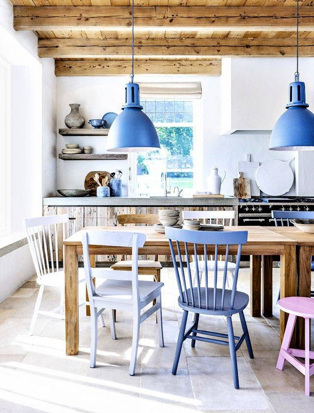 Blue Pendant Light For A Chic And Cozy Dining Room – Traba Homes Regarding Blue Kitchen Pendant Lights (#8 of 15)