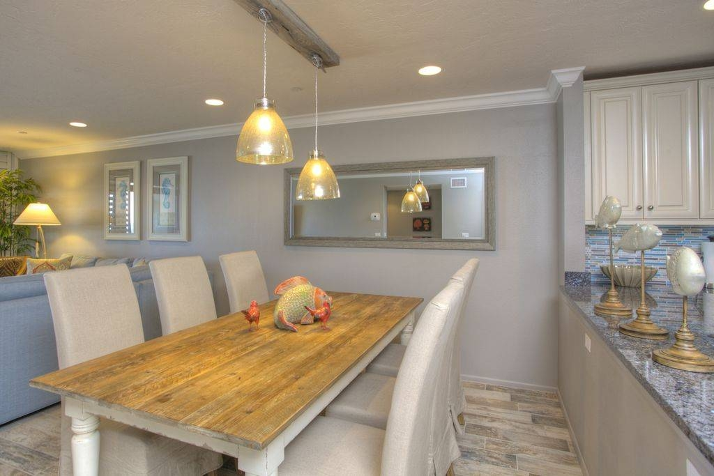 Contemporary Dining Room With Pendant Lightchic On The Cheap In Minka Lavery Pendants (#3 of 15)