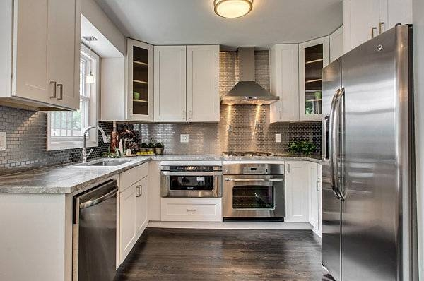 Stainless Steel Kitchen Cabinet With Backsplash And Pendant Light Intended For Stainless Steel Kitchen Lights (View 5 of 15)