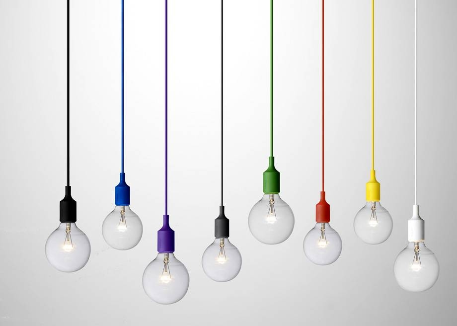 String Lights: Why Is It So Chic Now To Hang Bare Bulbs? With Regard To Bare Bulb Pendant Lights Fixtures (#14 of 15)