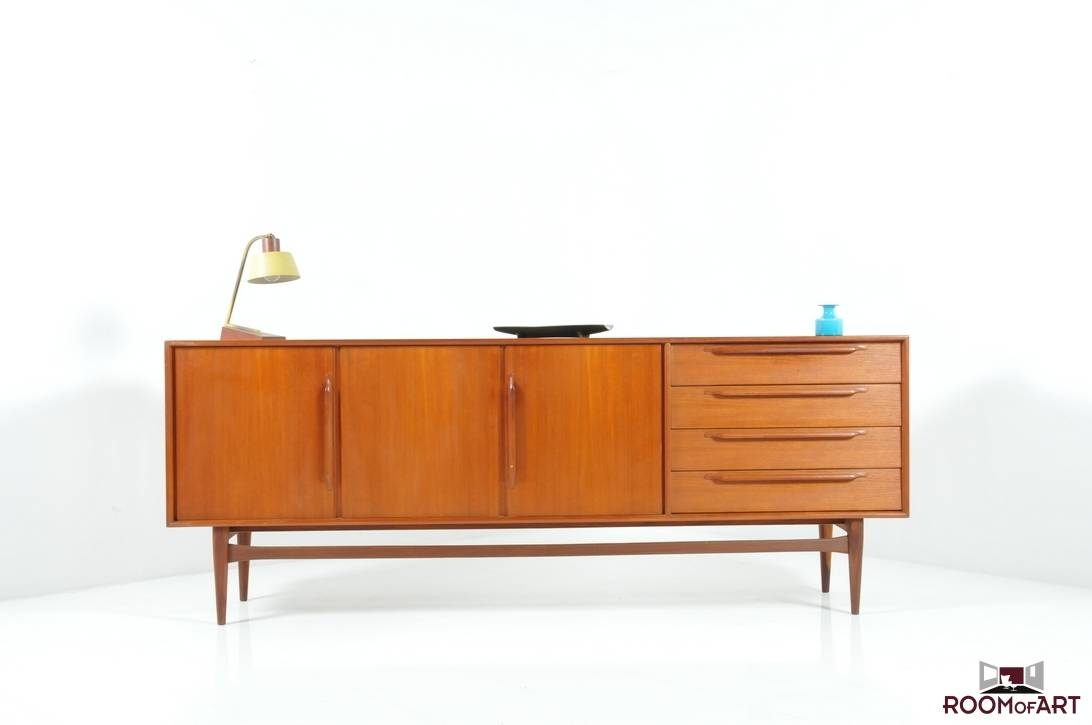 Mid Century Danish Sideboard In Teak: Room Of Art For Mid Century Sideboards (#5 of 15)