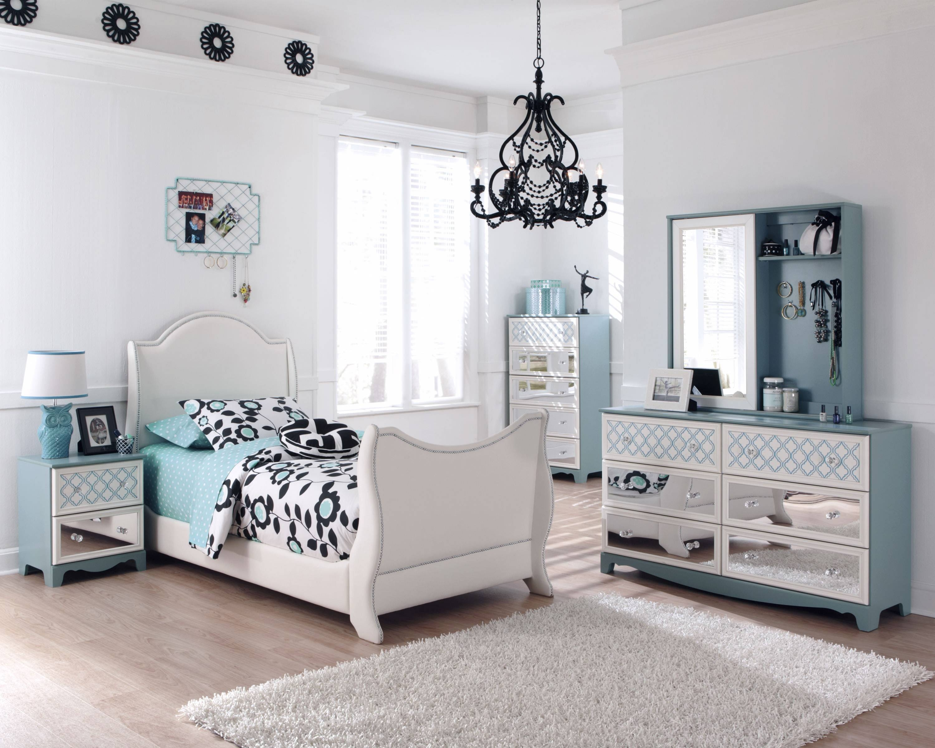Mirrored Sideboards For A Master Bedroom Decor With Regard To Bedroom Sideboards (#13 of 15)