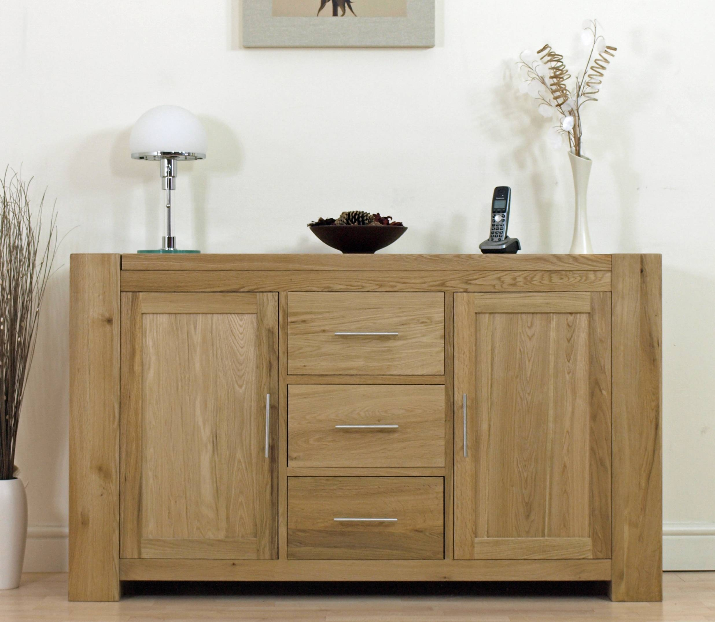 15 best ideas of living room sideboards for Living room ideas with oak furniture