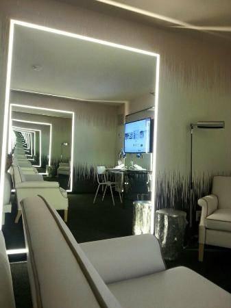 Bar Da Piscina Sls – Picture Of Sls Las Vegas Hotel & Casino, Las Pertaining To Las Vegas Mirrors (#3 of 15)