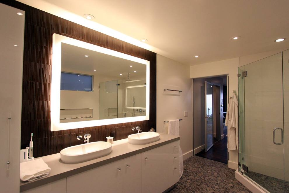 Popular Photo of Lighted Bathroom Wall Mirrors