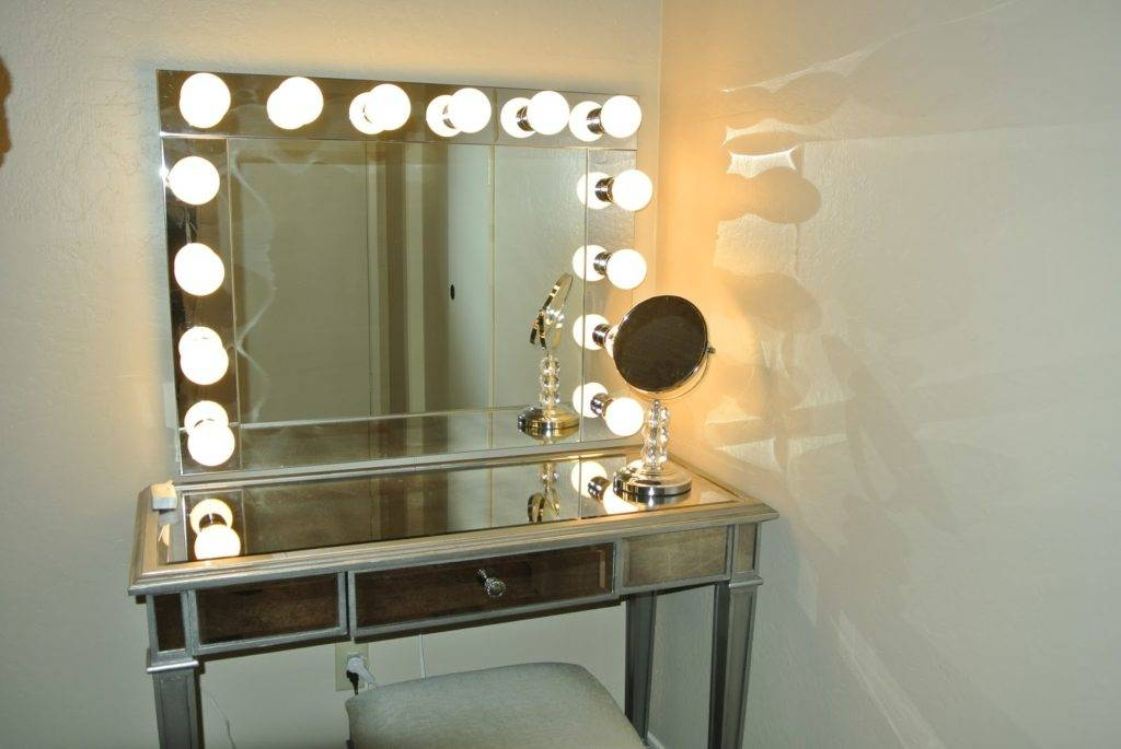Bedroom Wonderful Vanity Table With Lighted Mirror Hollywood Regarding Wall Mirrors With Light Bulbs (#7 of 15)