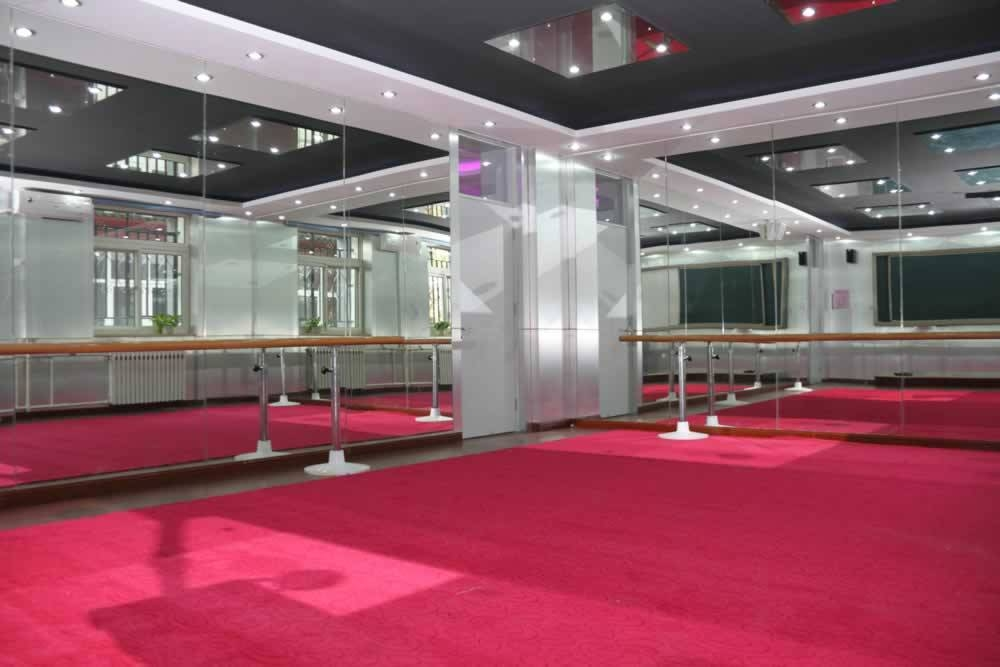 Custom Commercial Mirrors – A Cutting Edge Glass Throughout Las Vegas Mirrors (#4 of 15)