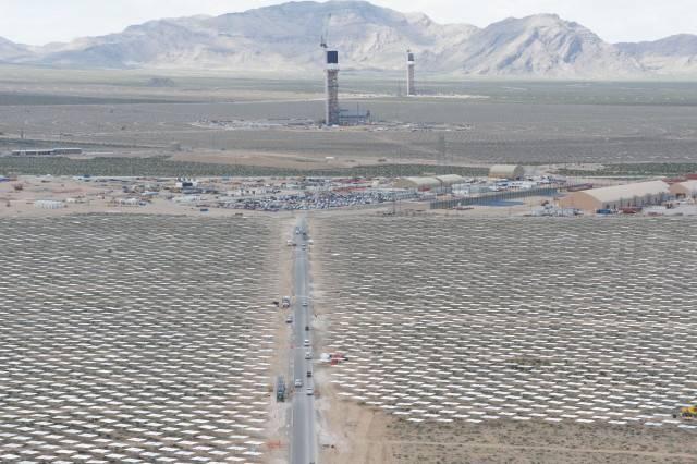 Gigaom | A Mirror A Minute: The Ivanpah Solar Farm Kicks Into High Inside Las Vegas Mirrors (#6 of 15)
