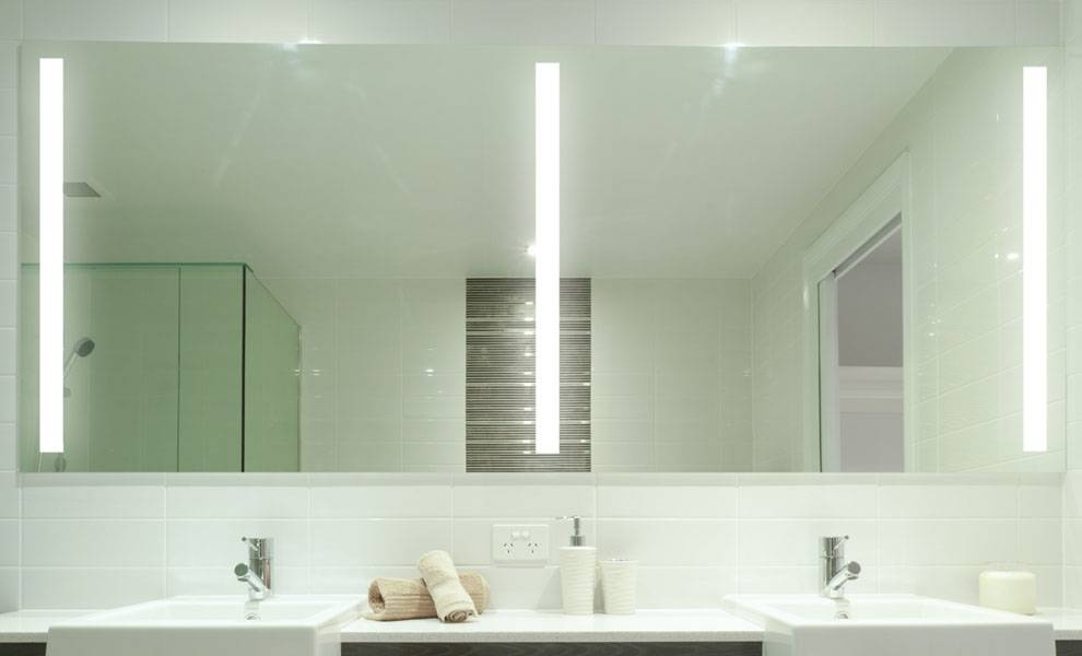 Lighted Bathroom Wall Mirror Intended For Lighted Wall Mirrors For Bathrooms (View 6 of 15)