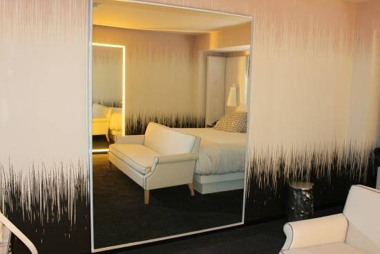Room Decor, Lighted Mirrors On Both Sides – Picture Of Sls Las Intended For Las Vegas Mirrors (#12 of 15)