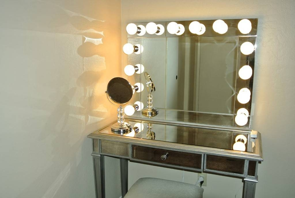 See Yourself Clearly Lighted Makeup Mirrors – Blake Lockwood – Medium Pertaining To Wall Mirrors With Light Bulbs (#12 of 15)