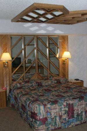 The Bed (And Mirrors!) – Picture Of Tropicana Las Vegas – A Inside Las Vegas Mirrors (#14 of 15)