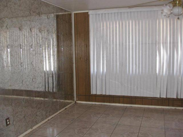 Two Ugly Mirrored Walls – Ugly House Photos With Regard To Entire Wall Mirrors (#12 of 15)