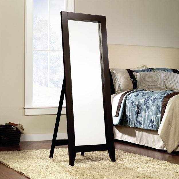 Wall Mirrors And 33 Modern Bedroom Decorating Ideas Intended For Modern Bedroom Mirrors (#15 of 15)