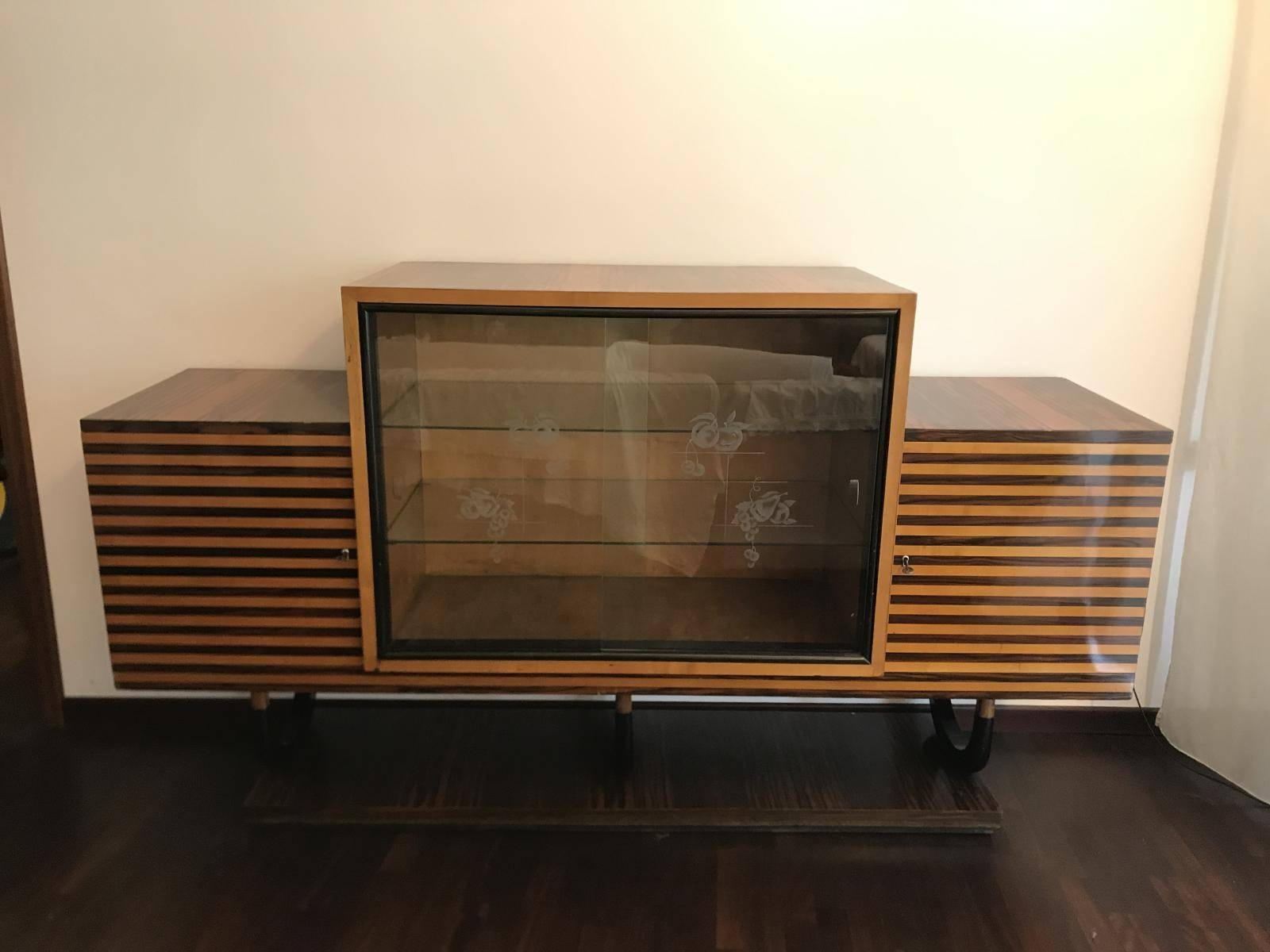 Italian Art Deco Sideboard In Walnut Burl, 1920S For Sale At Pamono Throughout Recent Art Deco Sideboards (#11 of 15)
