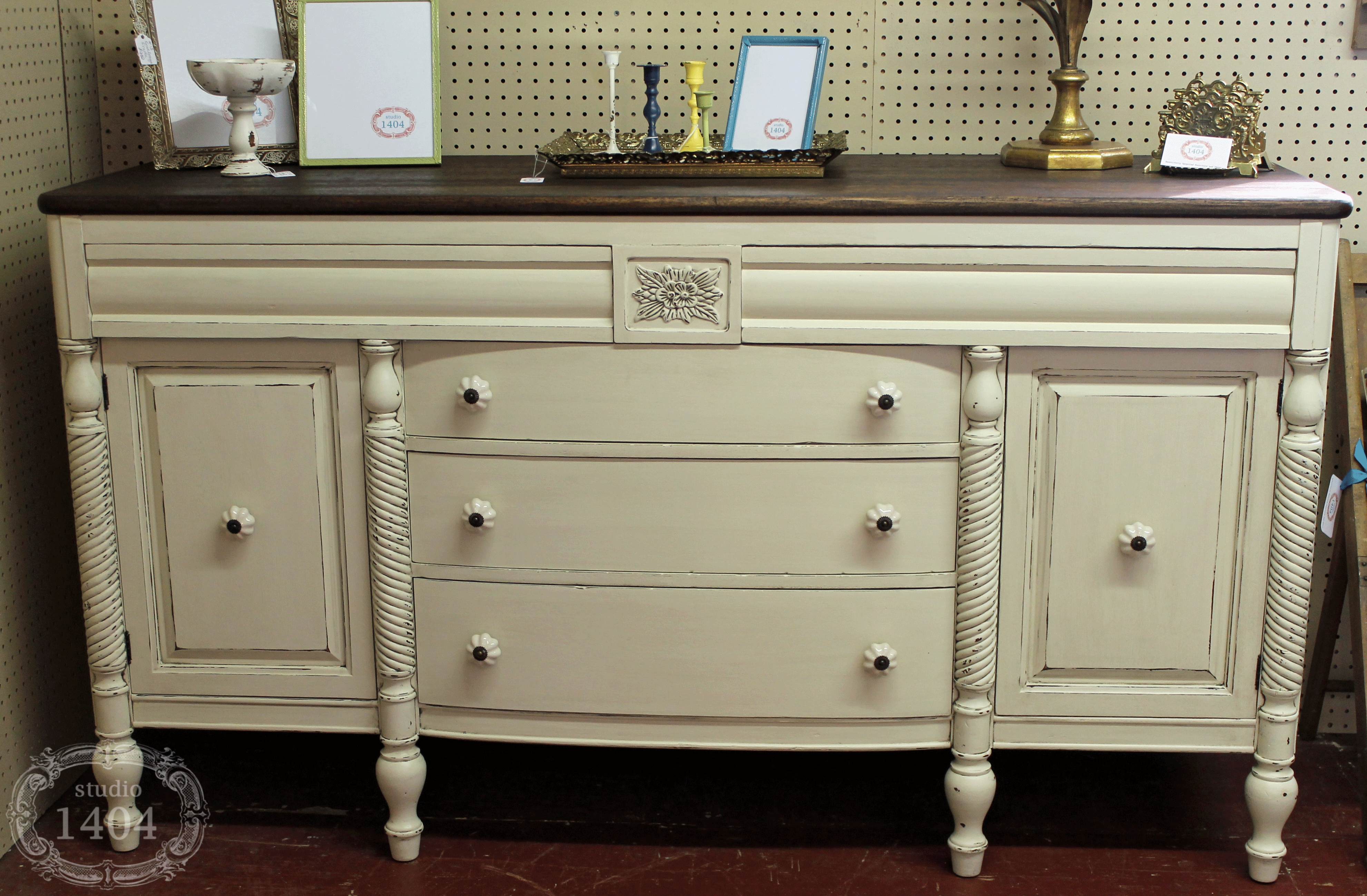Kitchen Sideboard Buffet Luxury For Sideboard Furniture Furniture With 2018 Antique White Sideboards (#7 of 15)