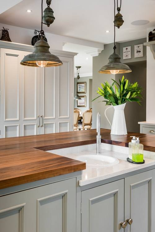 Pendant Lighting: Ideas And Options – Town & Country Living Inside Most Current Farmhouse Style Pendant Lighting (#13 of 15)