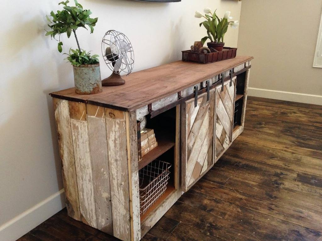 Setting An Rustic Buffet Table Within Recent Rustic Sideboards And Buffets (#8 of 15)
