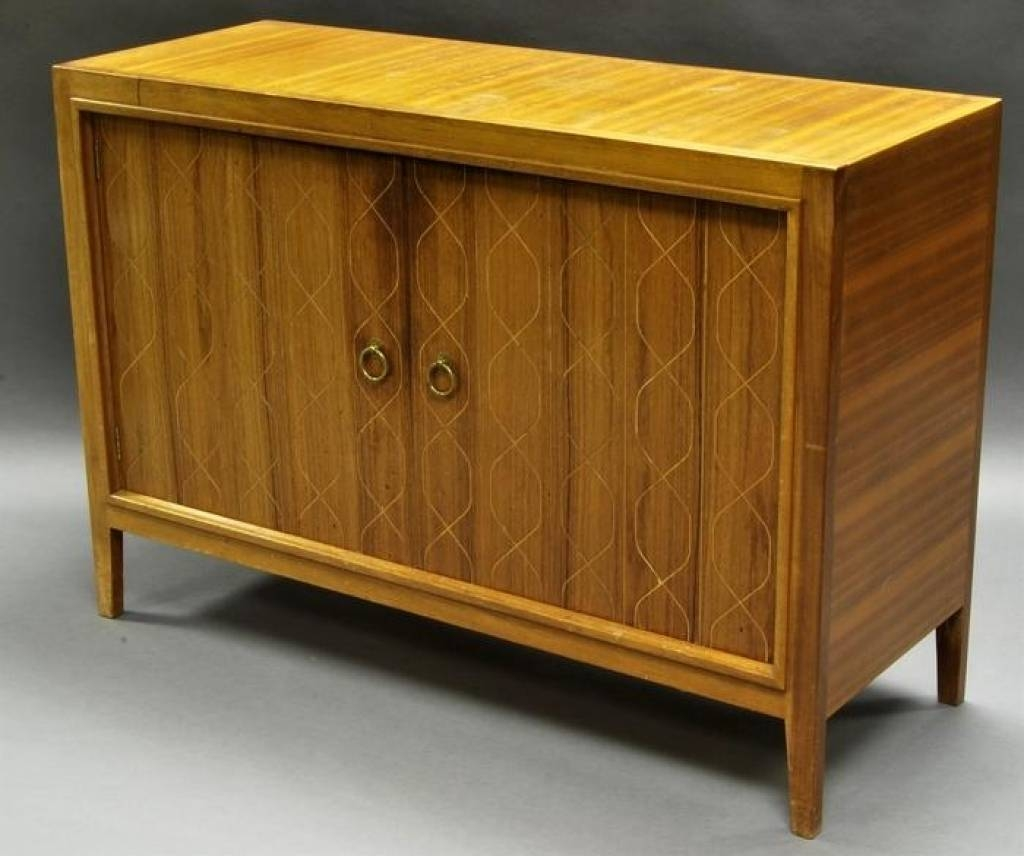 Sideboard Gordon Russell Of Broadway, A Mahogany And Rosewood Intended For Latest Gordon Russell Helix Sideboards (#14 of 15)