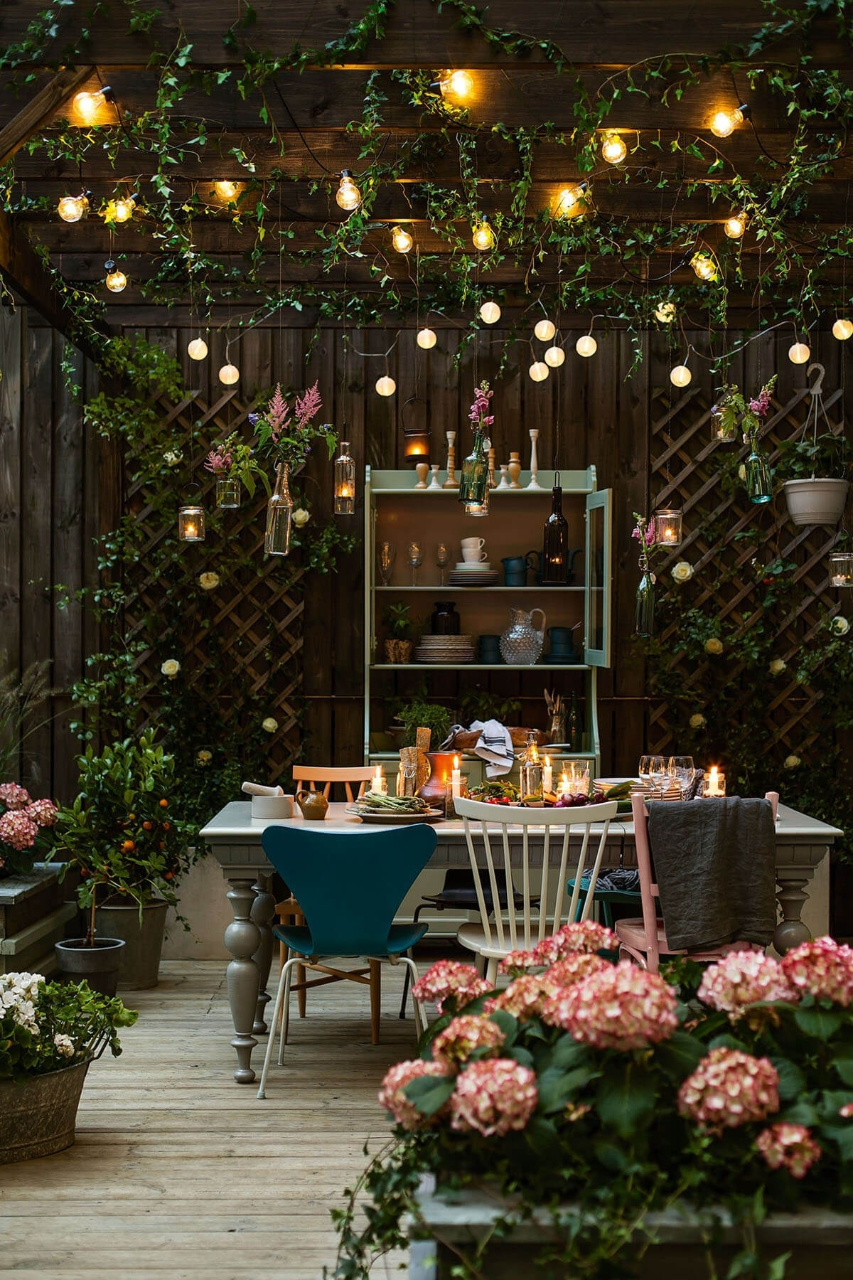27 Best Backyard Lighting Ideas And Designs For 2018 Within Outdoor Hanging Garden Lights (View 6 of 15)