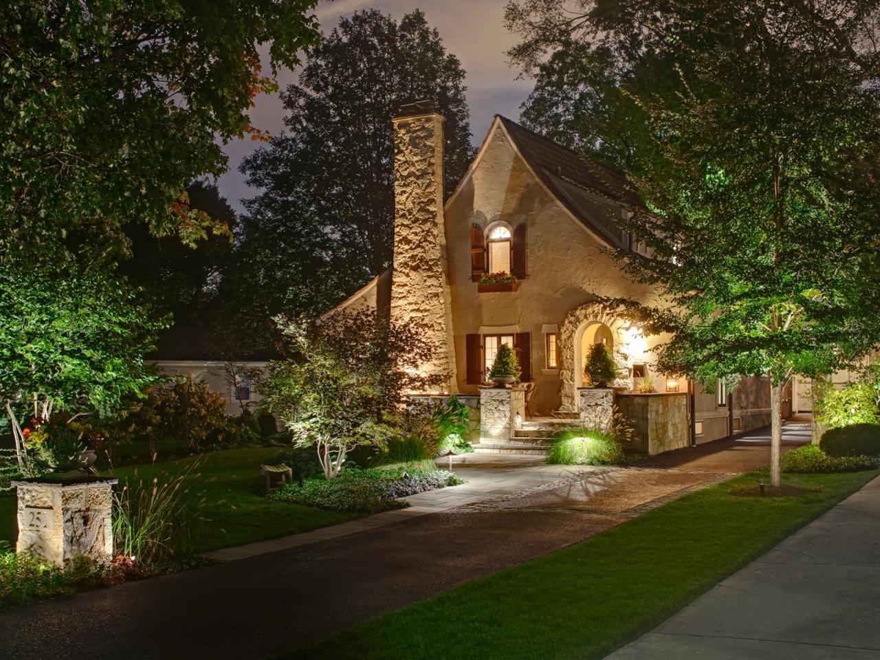 Beautiful Outdoor Lighting Fixtures At A Stone House – Artenzo Regarding Cottage Outdoor Lighting (#2 of 15)