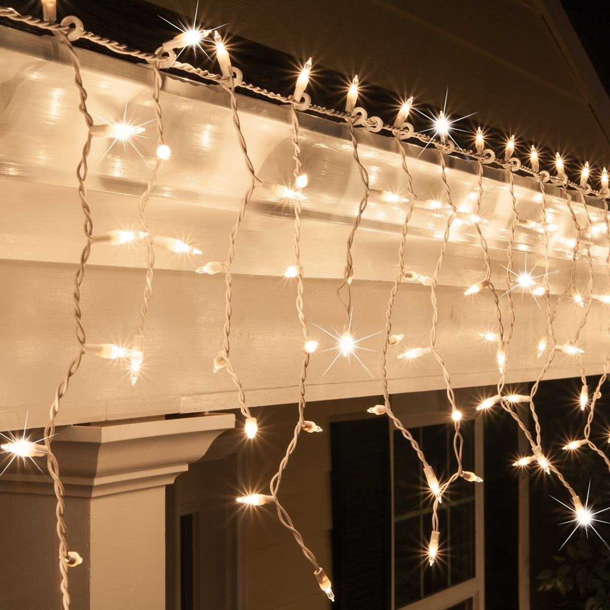 Christmas Icicle Light – 150 Clear Twinkle Icicle Lights – White Wire Throughout Outdoor Hanging Xmas Lights (View 12 of 15)