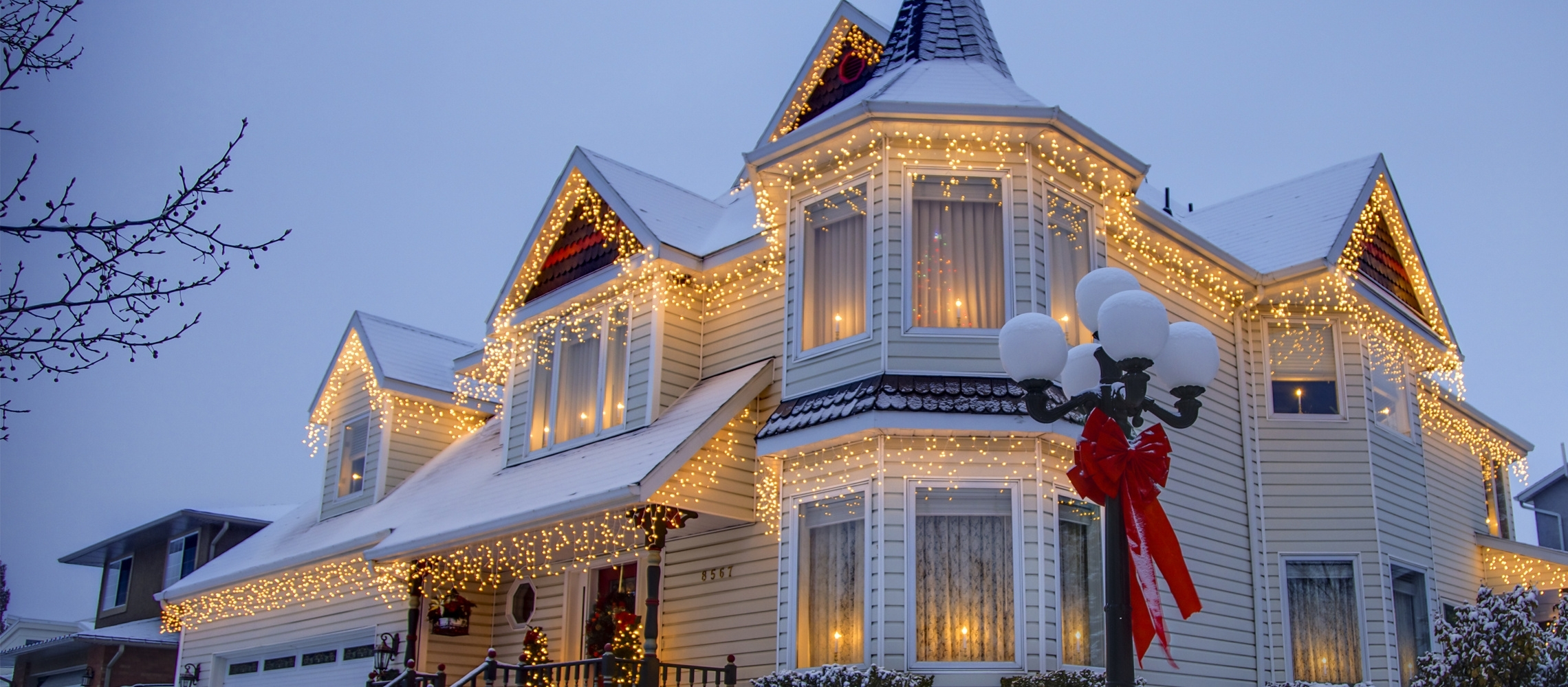 Christmas Lights Ideas For The Roof Throughout Outdoor Hanging Lights For Christmas (View 7 of 15)