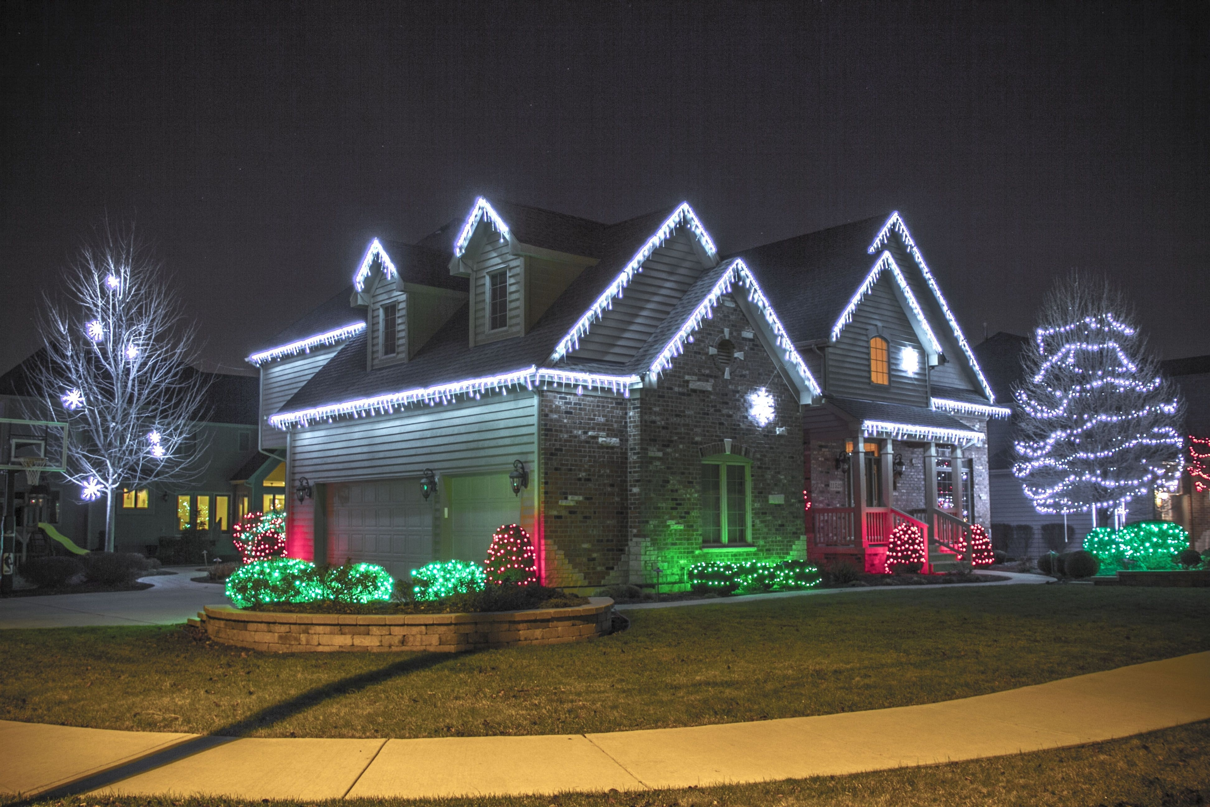 Christmas Outdoor Hanging Lights On Trees – Google Search Intended For Outdoor Hanging Lights For Christmas (View 2 of 15)