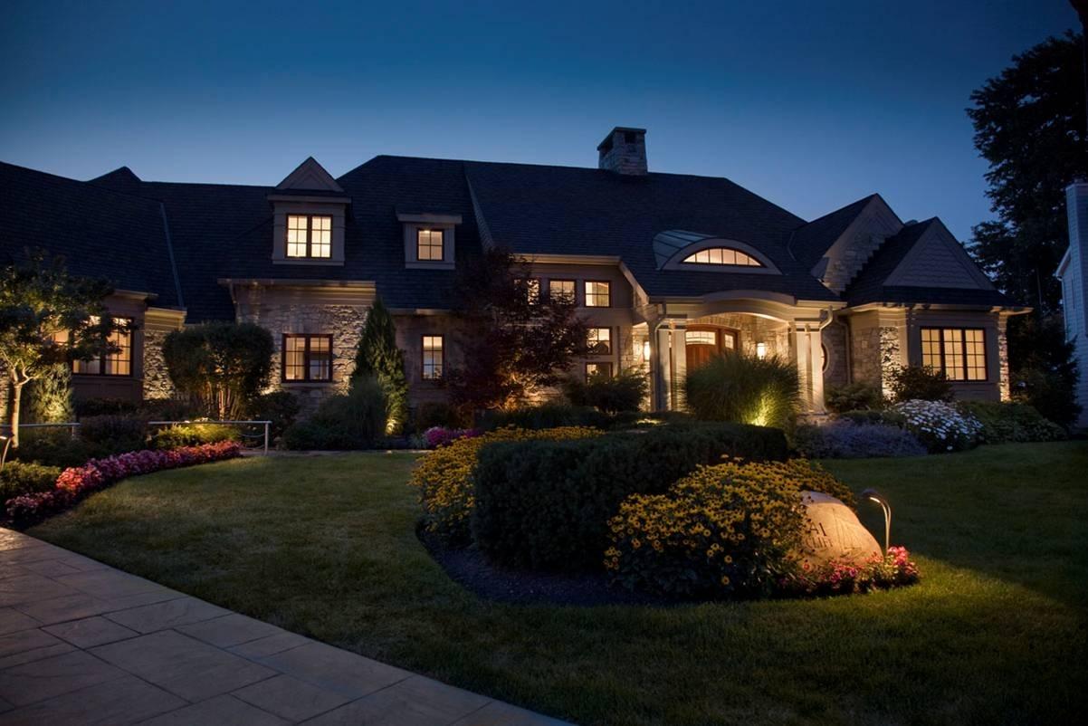Contemporary Low Voltage Deck Lighting — Jbeedesigns Outdoor : Low For Modern Garden Low Voltage Deck Lighting (#4 of 15)