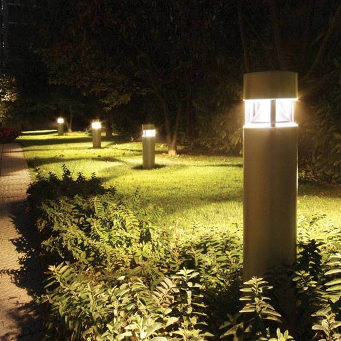 Contemporary Outdoor Post Light Fixtures – Outdoor Designs Inside Modern Outdoor And Garden Solar Lights (#2 of 15)