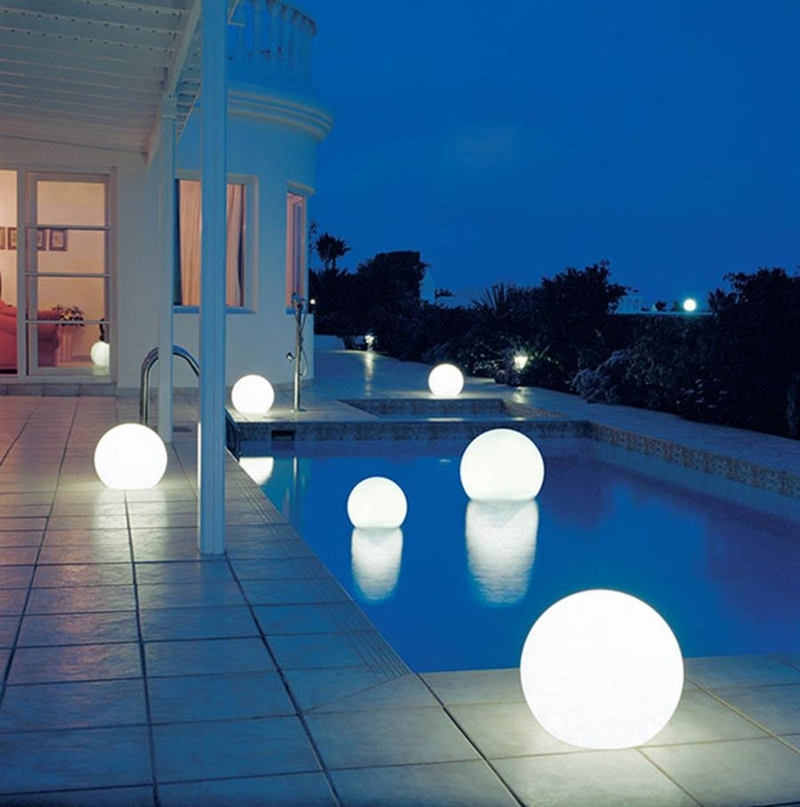Decorations : Luxury Modern Outdoor Kitchen With Hardwood Cabinet With Regard To Outdoor Hanging Pool Lights (#3 of 15)