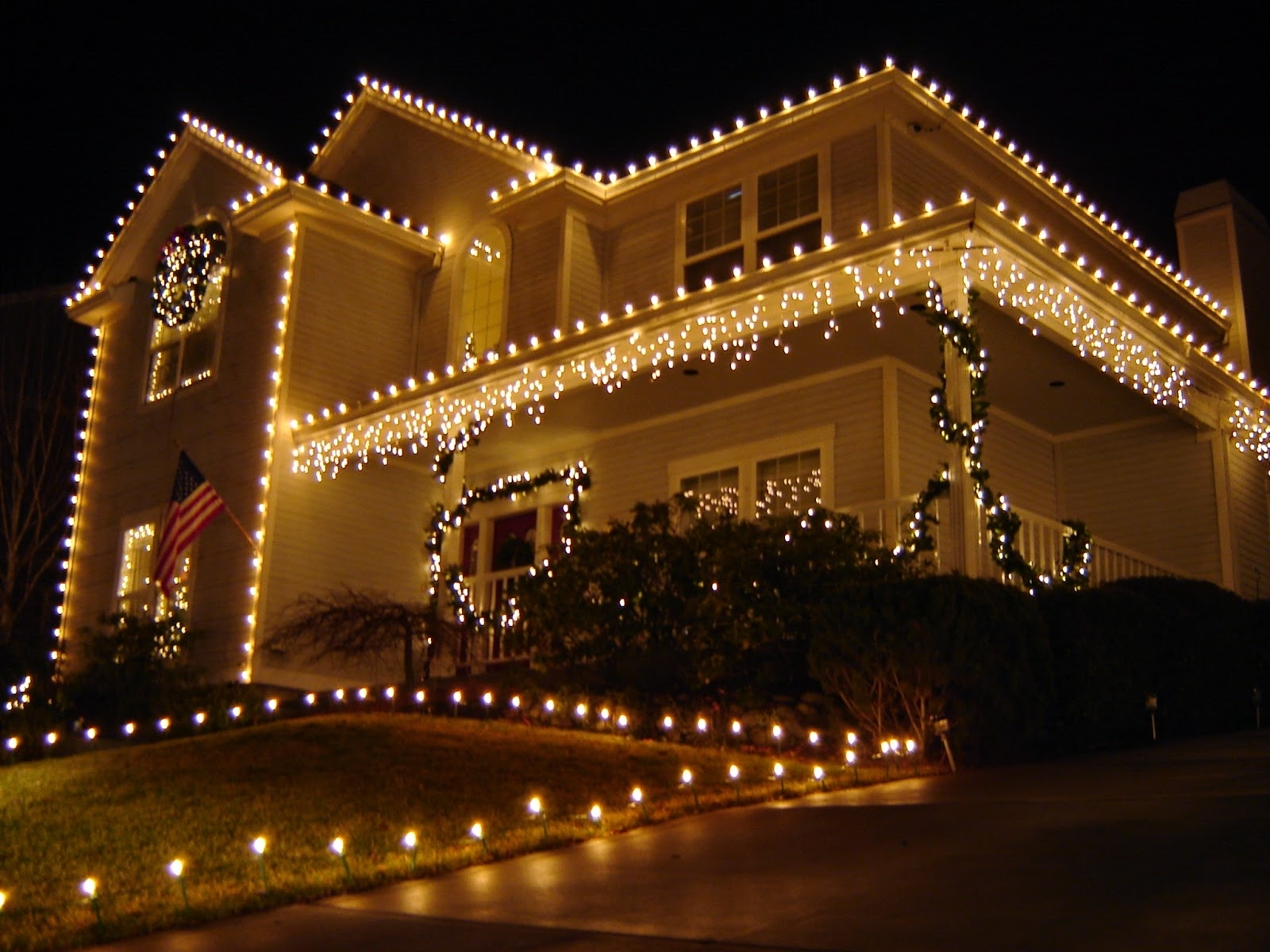 Inspiration about Diy : Buyers Guide For The Best Outdoor Christmas Lighting Diy How In Hanging Outdoor Christmas Lights Without Nails (#14 of 15)