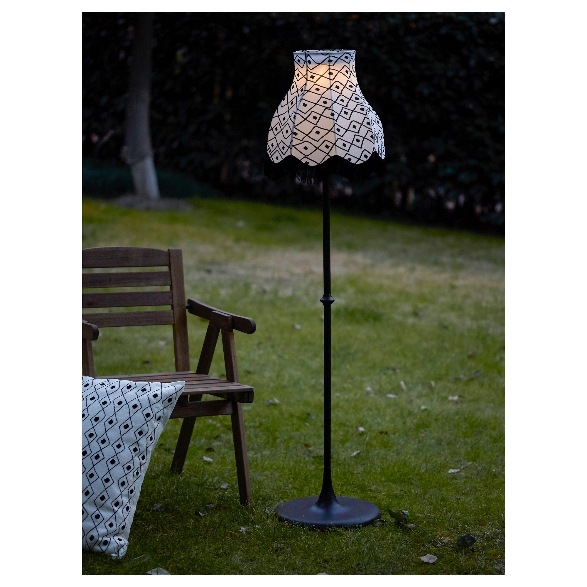 Exciting Diy Solar Table Lamp Lamps Powered Outdooror Living Room With Modern Outdoor Solar Lights At Target (#2 of 15)