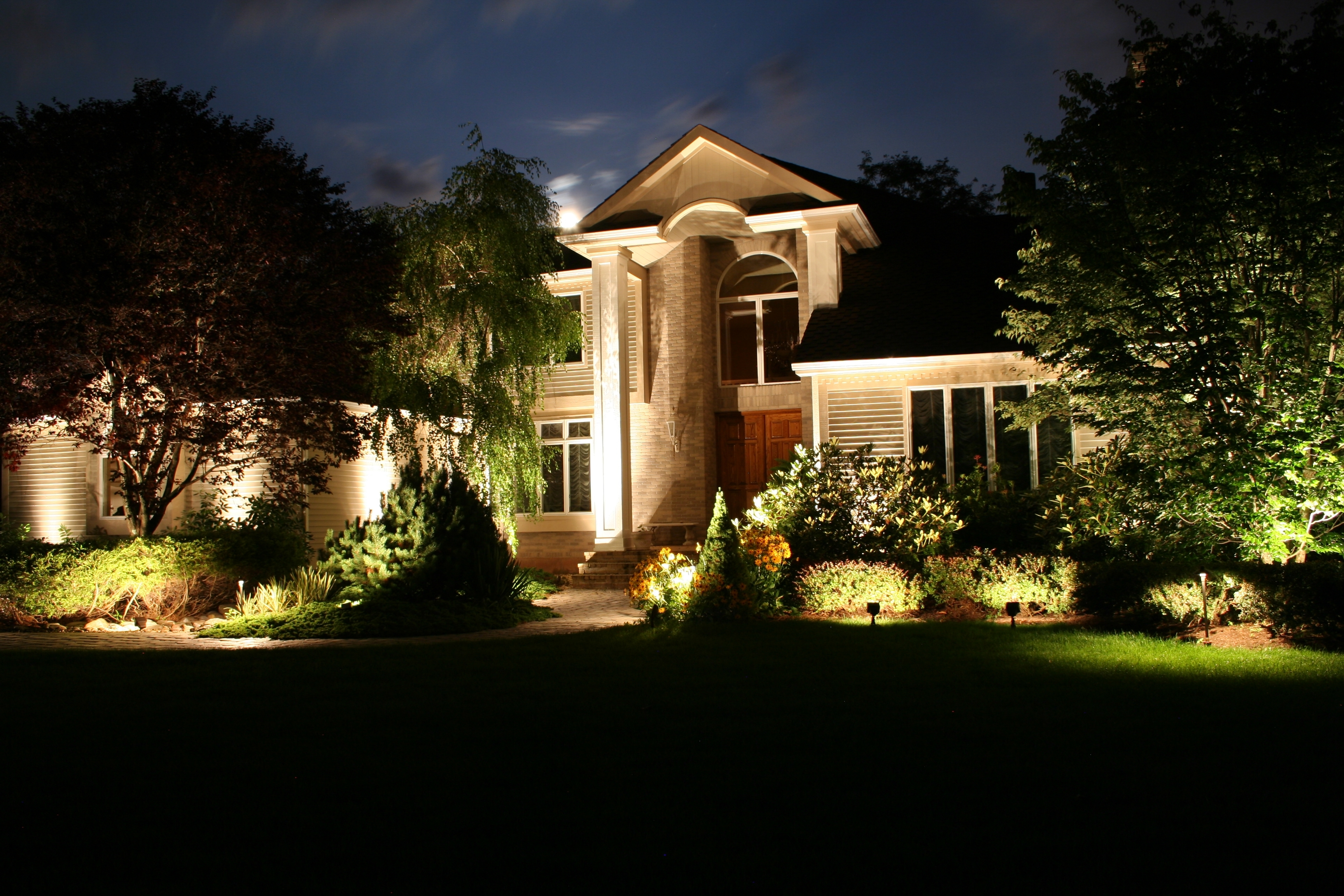 Great Italian House With Modern Landscape Lighting Ideas Feat Tudor Within Modern Garden Landscape Lighting (#9 of 15)