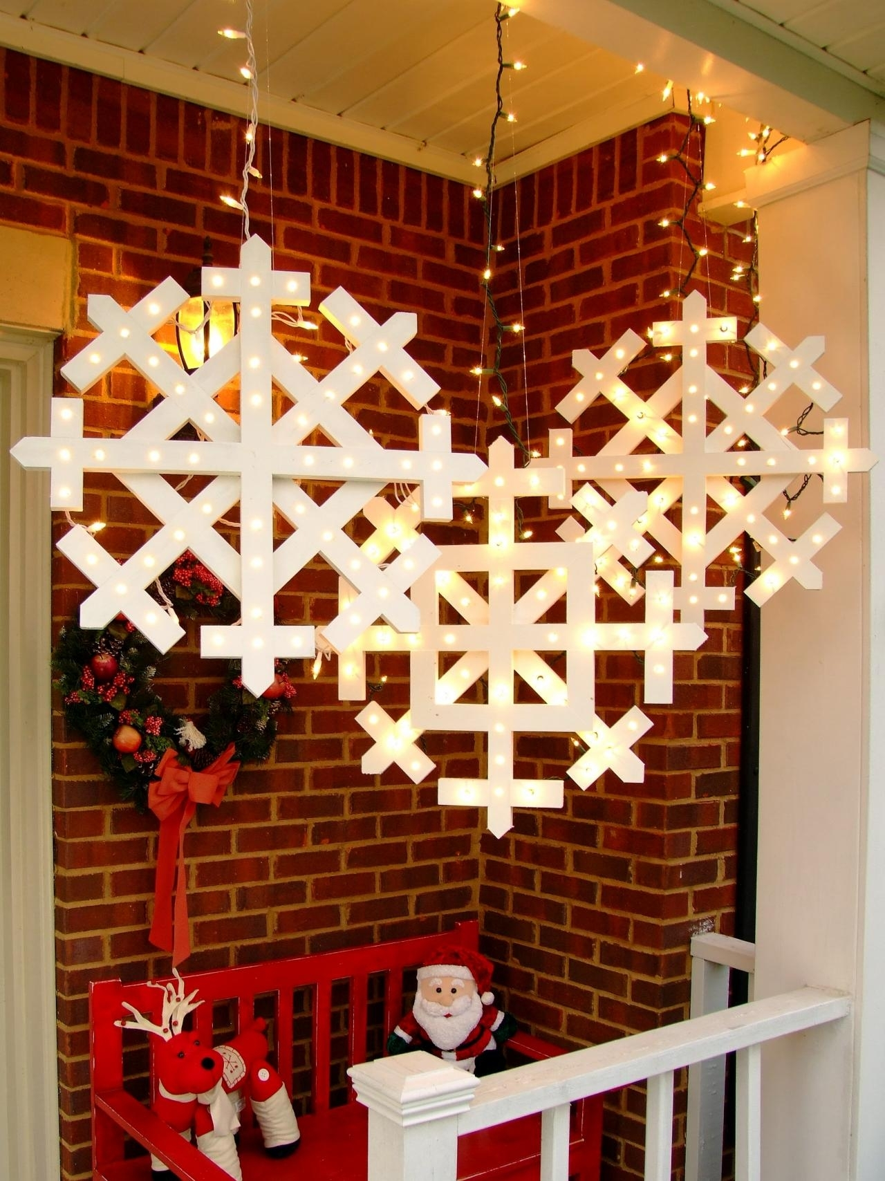 How To Make Wooden Snowflakes With Lights | How Tos | Diy Throughout Outdoor Hanging Snowflake Lights (#6 of 15)