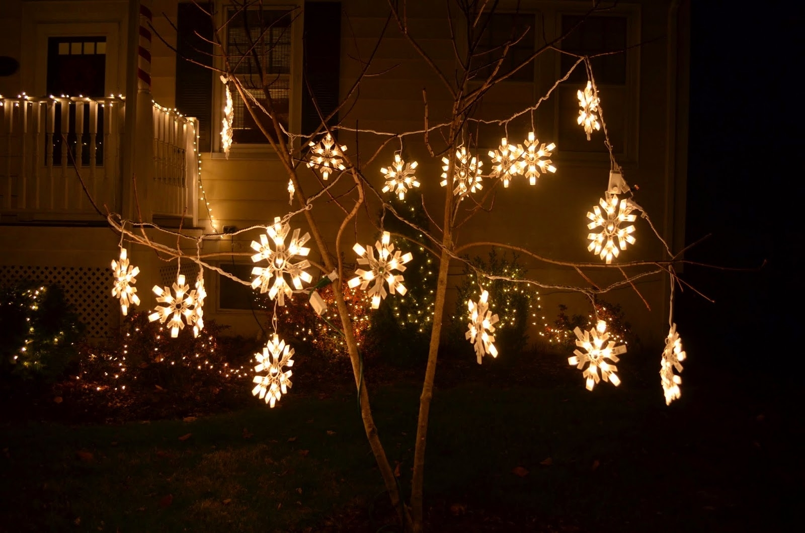 In The Little Yellow House: Outdoor Christmas Lights At Night Intended For Outdoor Hanging Snowflake Lights (#8 of 15)
