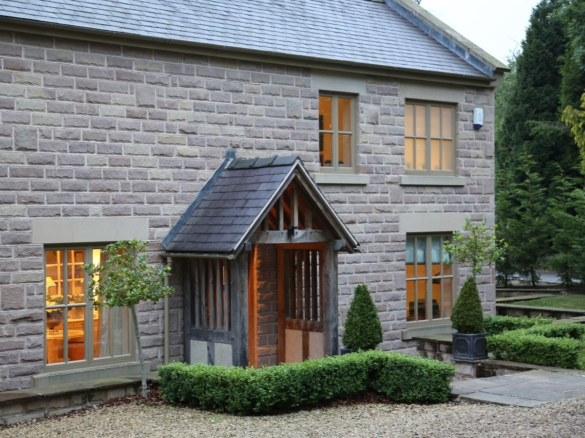 Lamp Cottage (Ref Rdda) In Holloway, Matlock, Derbyshire | English Throughout Cottage Outdoor Lighting (#12 of 15)