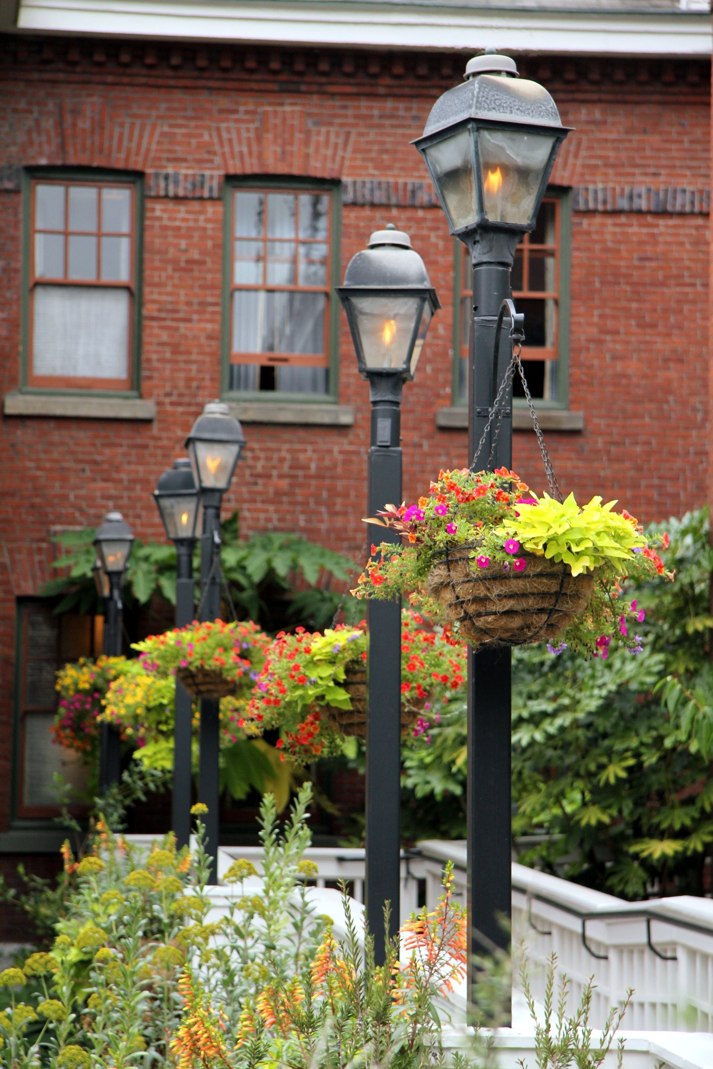 Lamp Posts With Hanging Baskets Oh Yes! | Ideas For Our New Home Pertaining To Outdoor Hanging Post Lights (#7 of 15)