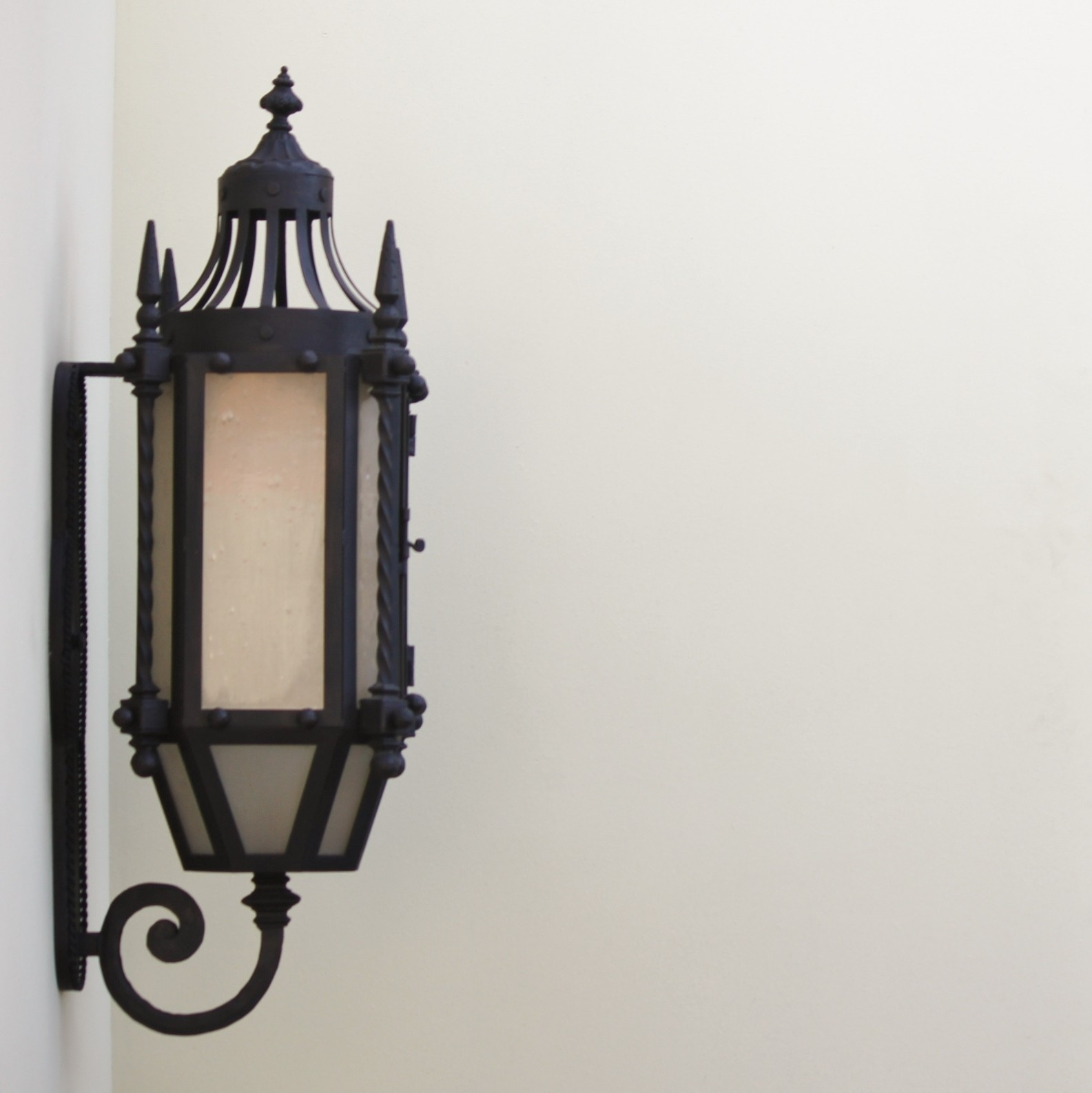 Lights Of Tuscany 7048 3 Wrought Iron Gothic/ Medieval Style Wall Inside Gothic Outdoor Wall Lighting (View 7 of 15)